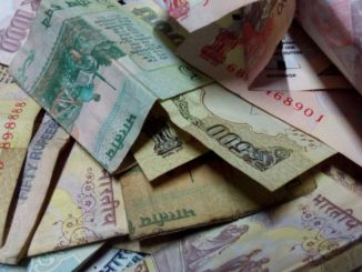 https://pixabay.com/en/rupees-money-indian-currency-note-435450/