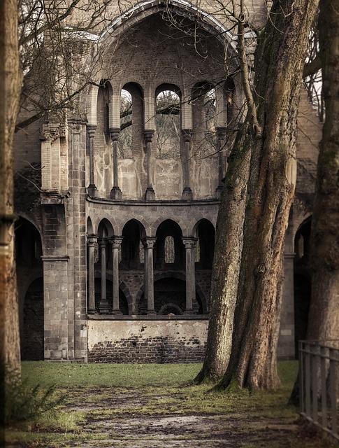 monastery-989868_640